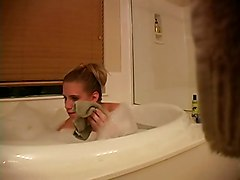 Girlfriend Masturbating In The Tub