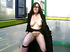 Curvy Amateurs Uk Flashing And Public Pissing