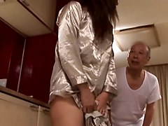The Family&039;s Men Are Crazy About A Sexy Mom