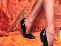 Elegant Lady Fucks Her High Heels