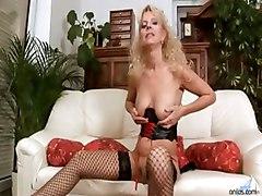 Blonde Mom Merilyn Sucks And Fucks
