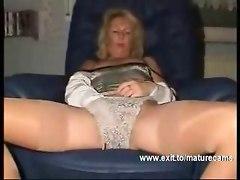 54 Years Joyce Masturbates At Home