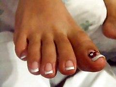 Female Feet   30 Year Old Woman