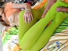 Blonde Chick In Green Pantyhose Gives Fantastic Footjob
