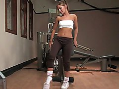 Cute Teen Dakoda Brookes & Pussy Stretching Machine