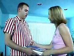 Mature Woman And Young Girl Fuck Delivery Boy